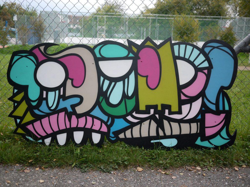 jugi-uetikon-sign-fence-finished